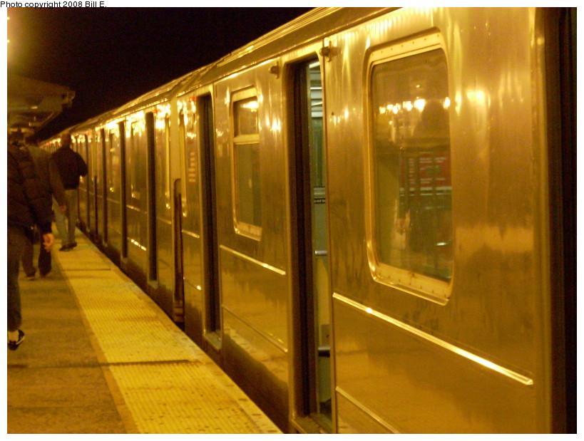 (168k, 819x619)<br><b>Country:</b> United States<br><b>City:</b> New York<br><b>System:</b> New York City Transit<br><b>Line:</b> IRT Flushing Line<br><b>Location:</b> 61st Street/Woodside <br><b>Route:</b> 7<br><b>Car:</b> R-62A (Bombardier, 1984-1987)   <br><b>Photo by:</b> Bill E.<br><b>Date:</b> 1/13/2008<br><b>Viewed (this week/total):</b> 0 / 1405