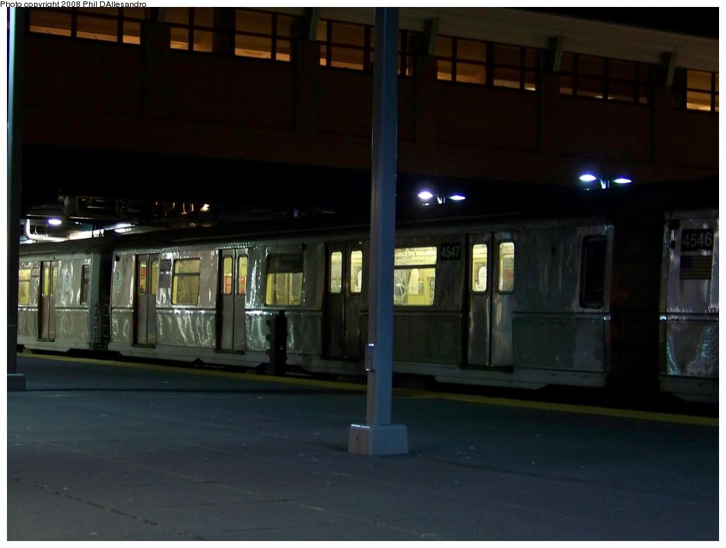 (146k, 1044x788)<br><b>Country:</b> United States<br><b>City:</b> New York<br><b>System:</b> New York City Transit<br><b>Location:</b> Coney Island/Stillwell Avenue<br><b>Route:</b> B<br><b>Car:</b> R-40M (St. Louis, 1969)  4547 <br><b>Photo by:</b> Philip D'Allesandro<br><b>Date:</b> 1/10/2008<br><b>Viewed (this week/total):</b> 2 / 3093