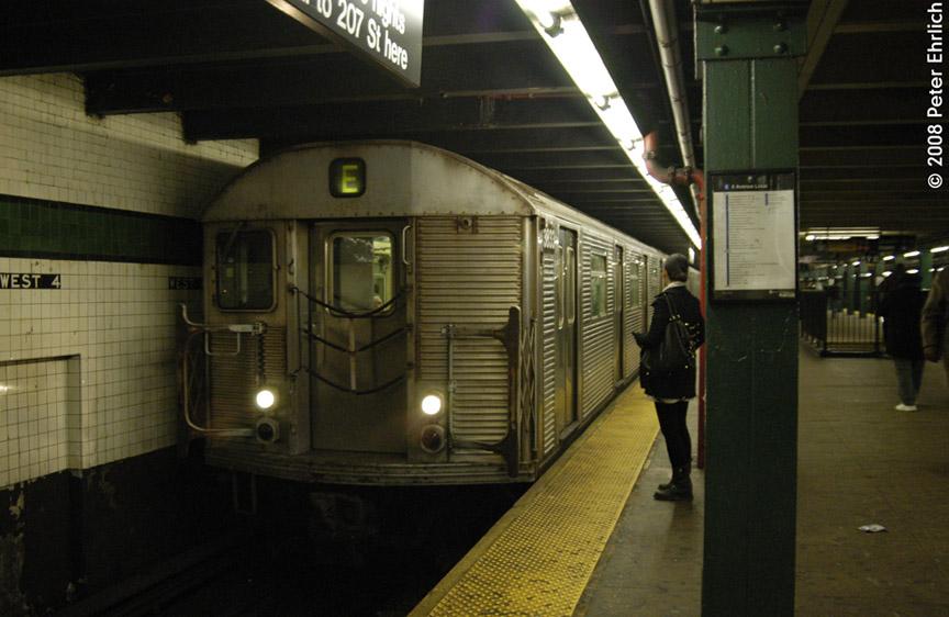 (163k, 864x562)<br><b>Country:</b> United States<br><b>City:</b> New York<br><b>System:</b> New York City Transit<br><b>Line:</b> IND 8th Avenue Line<br><b>Location:</b> West 4th Street/Washington Square <br><b>Route:</b> E<br><b>Car:</b> R-32 (Budd, 1964)  3832 <br><b>Photo by:</b> Peter Ehrlich<br><b>Date:</b> 1/3/2008<br><b>Notes:</b> West 4th Street northbound.<br><b>Viewed (this week/total):</b> 0 / 2251
