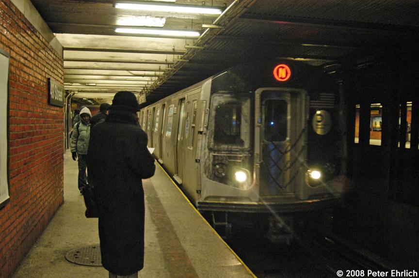 (189k, 864x574)<br><b>Country:</b> United States<br><b>City:</b> New York<br><b>System:</b> New York City Transit<br><b>Line:</b> BMT Broadway Line<br><b>Location:</b> 49th Street <br><b>Route:</b> N<br><b>Car:</b> R-160B (Kawasaki, 2005-2008)  8793 <br><b>Photo by:</b> Peter Ehrlich<br><b>Date:</b> 1/3/2008<br><b>Notes:</b> 49th Street northbound.<br><b>Viewed (this week/total):</b> 2 / 3490