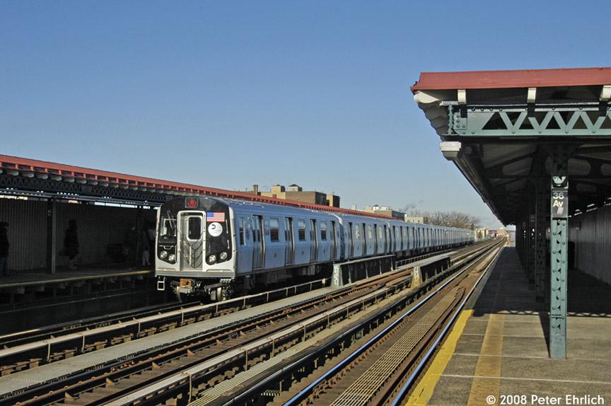 (185k, 864x574)<br><b>Country:</b> United States<br><b>City:</b> New York<br><b>System:</b> New York City Transit<br><b>Line:</b> BMT Astoria Line<br><b>Location:</b> 36th/Washington Aves. <br><b>Route:</b> N<br><b>Car:</b> R-160B (Kawasaki, 2005-2008)  8868 <br><b>Photo by:</b> Peter Ehrlich<br><b>Date:</b> 1/3/2008<br><b>Notes:</b> Arriving 36th Avenue inbound.<br><b>Viewed (this week/total):</b> 0 / 1686