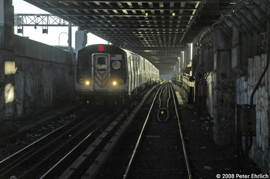 (156k, 864x574)<br><b>Country:</b> United States<br><b>City:</b> New York<br><b>System:</b> New York City Transit<br><b>Line:</b> BMT Nassau Street/Jamaica Line<br><b>Location:</b> Essex Street <br><b>Route:</b> Z<br><b>Car:</b> R-160A-1 (Alstom, 2005-2008, 4 car sets)   <br><b>Photo by:</b> Peter Ehrlich<br><b>Date:</b> 1/3/2008<br><b>Notes:</b> Approaching Essex Street inbound.<br><b>Viewed (this week/total):</b> 6 / 5617