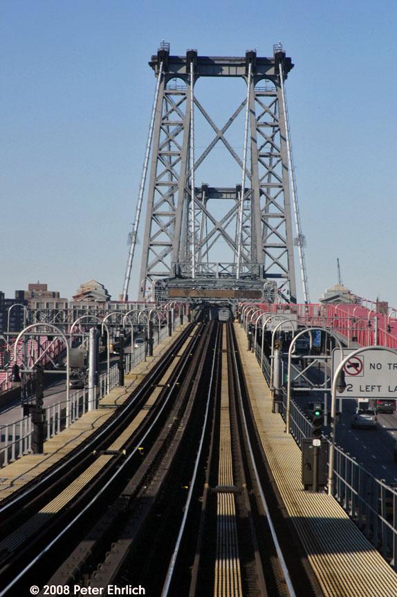 (164k, 574x864)<br><b>Country:</b> United States<br><b>City:</b> New York<br><b>System:</b> New York City Transit<br><b>Line:</b> BMT Nassau Street/Jamaica Line<br><b>Location:</b> Williamsburg Bridge<br><b>Photo by:</b> Peter Ehrlich<br><b>Date:</b> 1/3/2008<br><b>Notes:</b> Approaching Williamsburg Bridge inbound.<br><b>Viewed (this week/total):</b> 0 / 1502