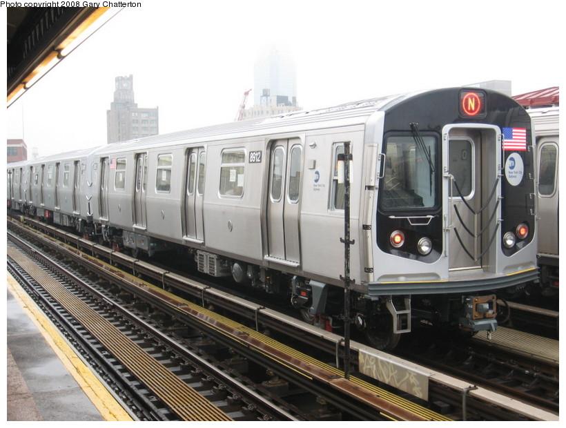 (138k, 820x620)<br><b>Country:</b> United States<br><b>City:</b> New York<br><b>System:</b> New York City Transit<br><b>Line:</b> BMT Astoria Line<br><b>Location:</b> 39th/Beebe Aves. <br><b>Route:</b> Testing<br><b>Car:</b> R-160B (Kawasaki, 2005-2008)  8912 <br><b>Photo by:</b> Gary Chatterton<br><b>Date:</b> 12/27/2007<br><b>Viewed (this week/total):</b> 0 / 1900