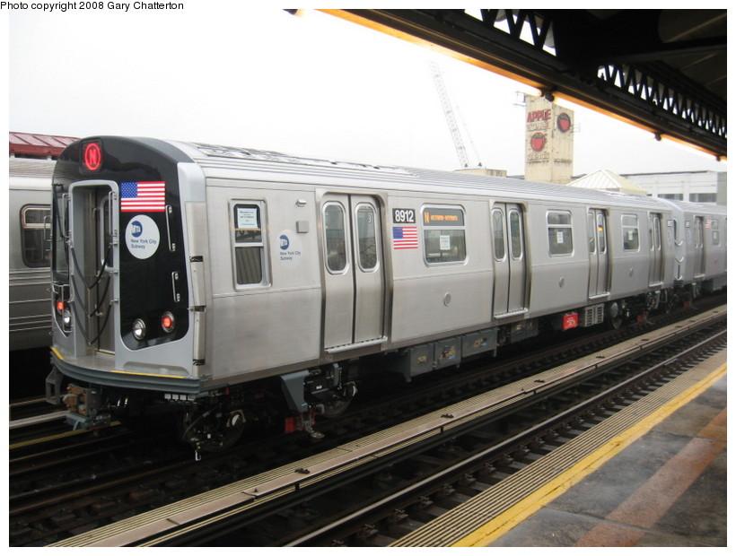 (128k, 820x620)<br><b>Country:</b> United States<br><b>City:</b> New York<br><b>System:</b> New York City Transit<br><b>Line:</b> BMT Astoria Line<br><b>Location:</b> 39th/Beebe Aves. <br><b>Route:</b> Testing<br><b>Car:</b> R-160B (Kawasaki, 2005-2008)  8912 <br><b>Photo by:</b> Gary Chatterton<br><b>Date:</b> 12/27/2007<br><b>Viewed (this week/total):</b> 0 / 2142