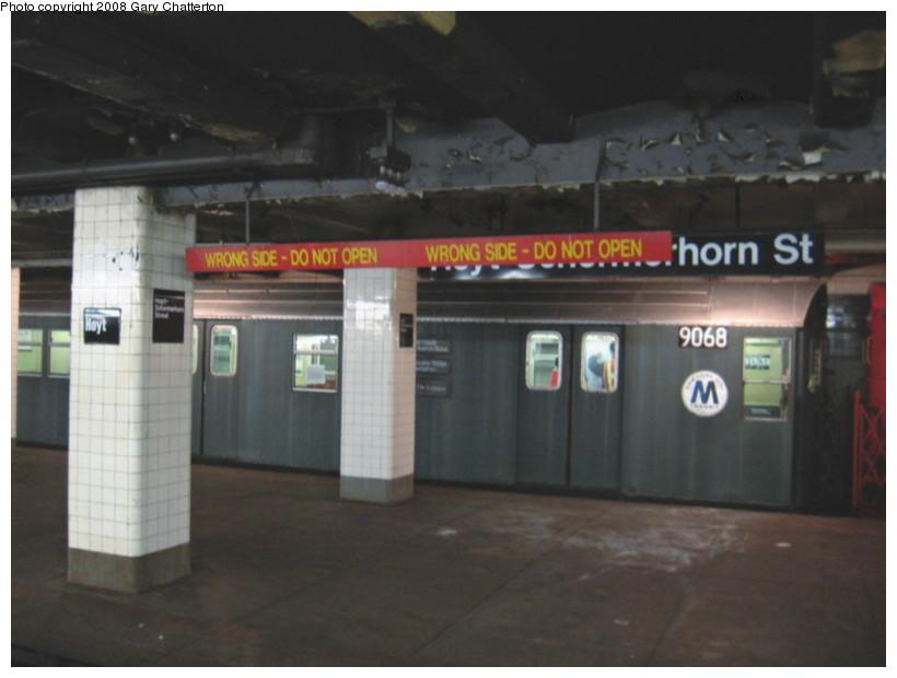 (95k, 820x620)<br><b>Country:</b> United States<br><b>City:</b> New York<br><b>System:</b> New York City Transit<br><b>Line:</b> IND Fulton Street Line<br><b>Location:</b> Hoyt-Schermerhorn Street <br><b>Route:</b> Museum move.<br><b>Car:</b> R-33 Main Line (St. Louis, 1962-63) 9068 <br><b>Photo by:</b> Gary Chatterton<br><b>Date:</b> 1/10/2008<br><b>Viewed (this week/total):</b> 1 / 3507