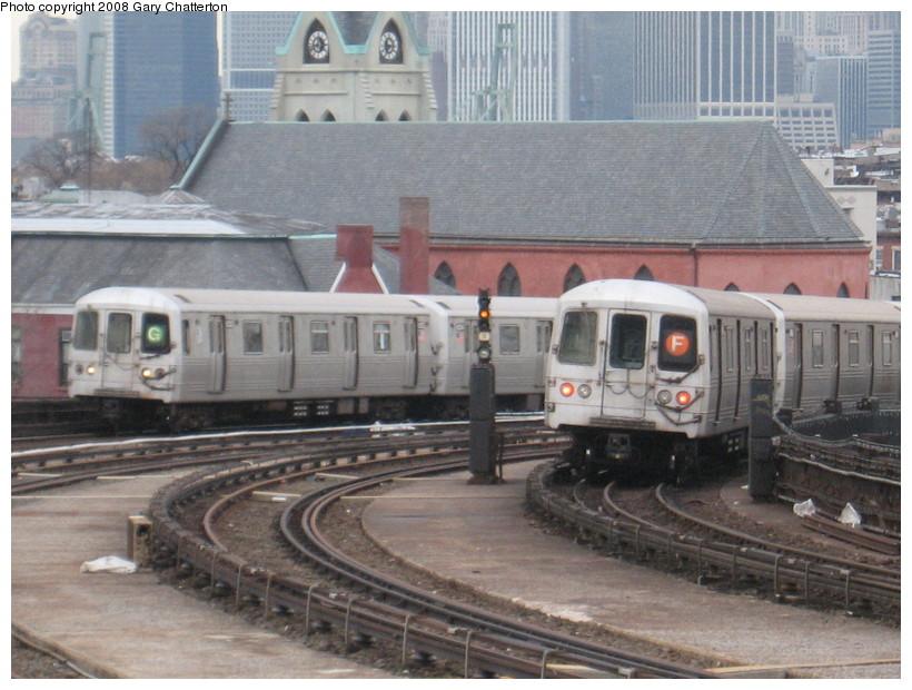 (147k, 820x620)<br><b>Country:</b> United States<br><b>City:</b> New York<br><b>System:</b> New York City Transit<br><b>Line:</b> IND Crosstown Line<br><b>Location:</b> Smith/9th Street <br><b>Route:</b> G/F<br><b>Car:</b> R-46 (Pullman-Standard, 1974-75) 6232/6148 <br><b>Photo by:</b> Gary Chatterton<br><b>Date:</b> 1/10/2008<br><b>Viewed (this week/total):</b> 2 / 2650