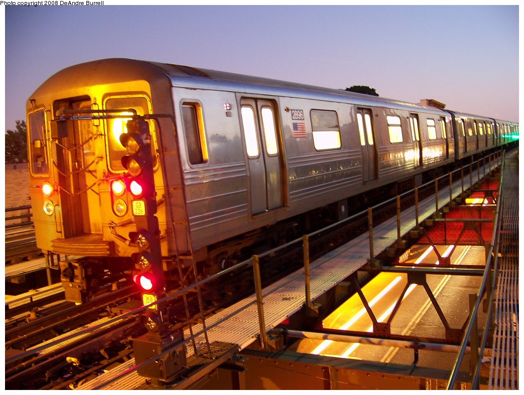 (237k, 1044x788)<br><b>Country:</b> United States<br><b>City:</b> New York<br><b>System:</b> New York City Transit<br><b>Line:</b> BMT Astoria Line<br><b>Location:</b> Astoria Boulevard/Hoyt Avenue <br><b>Route:</b> N<br><b>Car:</b> R-68 (Westinghouse-Amrail, 1986-1988)  2896 <br><b>Photo by:</b> DeAndre Burrell<br><b>Date:</b> 9/3/2007<br><b>Viewed (this week/total):</b> 2 / 2572