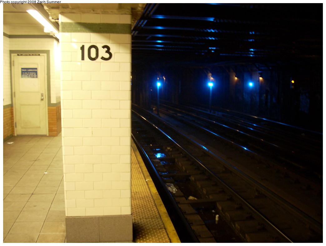 (183k, 1044x788)<br><b>Country:</b> United States<br><b>City:</b> New York<br><b>System:</b> New York City Transit<br><b>Line:</b> IRT West Side Line<br><b>Location:</b> 103rd Street <br><b>Photo by:</b> Zach Summer<br><b>Date:</b> 12/14/2007<br><b>Viewed (this week/total):</b> 0 / 2823