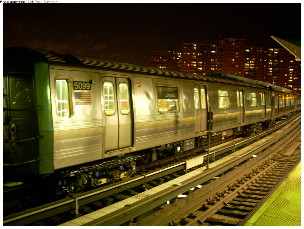 (267k, 1044x788)<br><b>Country:</b> United States<br><b>City:</b> New York<br><b>System:</b> New York City Transit<br><b>Line:</b> BMT Brighton Line<br><b>Location:</b> West 8th Street <br><b>Route:</b> Q<br><b>Car:</b> R-68A (Kawasaki, 1988-1989)  5099 <br><b>Photo by:</b> Zach Summer<br><b>Date:</b> 12/14/2007<br><b>Viewed (this week/total):</b> 2 / 2492