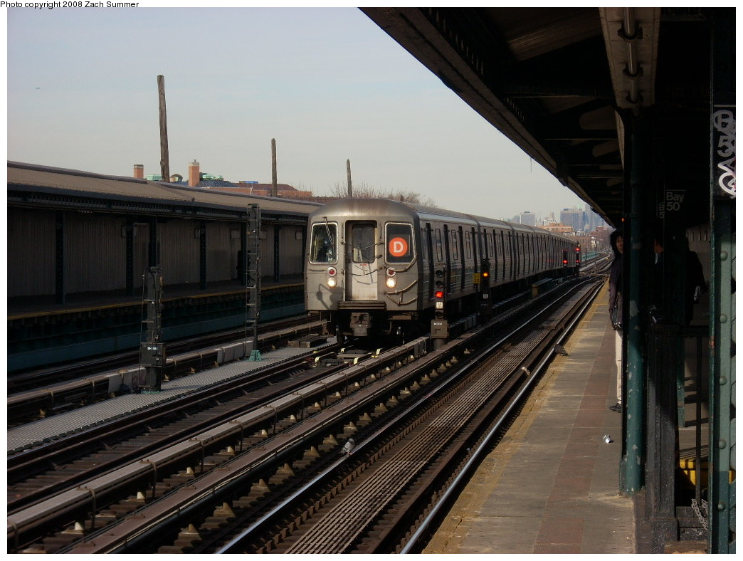 (248k, 1044x788)<br><b>Country:</b> United States<br><b>City:</b> New York<br><b>System:</b> New York City Transit<br><b>Line:</b> BMT West End Line<br><b>Location:</b> Bay 50th Street <br><b>Route:</b> D<br><b>Car:</b> R-68 (Westinghouse-Amrail, 1986-1988)  2548 <br><b>Photo by:</b> Zach Summer<br><b>Date:</b> 12/15/2007<br><b>Viewed (this week/total):</b> 0 / 2026