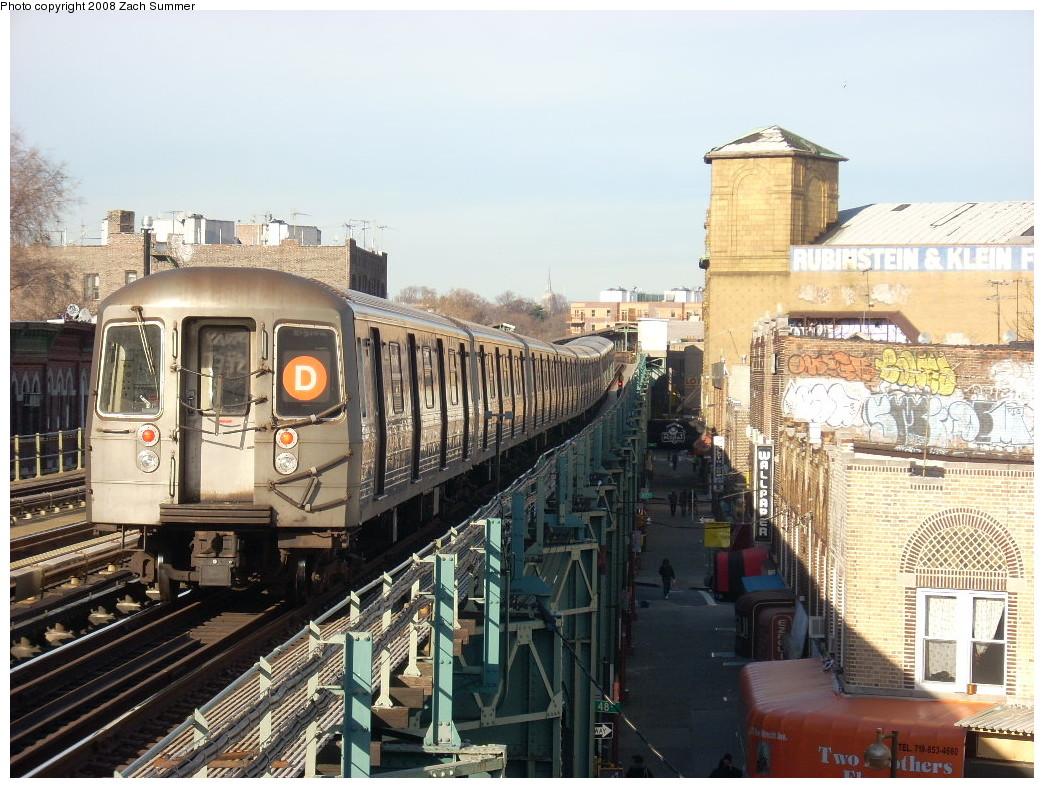 (290k, 1044x788)<br><b>Country:</b> United States<br><b>City:</b> New York<br><b>System:</b> New York City Transit<br><b>Line:</b> BMT West End Line<br><b>Location:</b> 50th Street <br><b>Route:</b> D<br><b>Car:</b> R-68 (Westinghouse-Amrail, 1986-1988)   <br><b>Photo by:</b> Zach Summer<br><b>Date:</b> 12/15/2007<br><b>Viewed (this week/total):</b> 0 / 1988