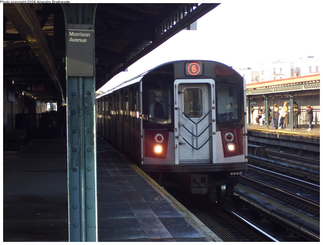(205k, 1044x791)<br><b>Country:</b> United States<br><b>City:</b> New York<br><b>System:</b> New York City Transit<br><b>Line:</b> IRT Pelham Line<br><b>Location:</b> Morrison/Soundview Aves. <br><b>Route:</b> 6<br><b>Car:</b> R-142A (Primary Order, Kawasaki, 1999-2002)  7355 <br><b>Photo by:</b> Aliandro Brathwaite<br><b>Date:</b> 12/31/2007<br><b>Viewed (this week/total):</b> 0 / 2842