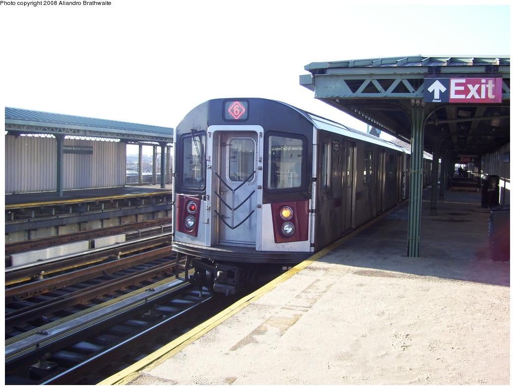 (222k, 1044x791)<br><b>Country:</b> United States<br><b>City:</b> New York<br><b>System:</b> New York City Transit<br><b>Line:</b> IRT Pelham Line<br><b>Location:</b> Westchester Square <br><b>Route:</b> 6<br><b>Car:</b> R-142A (Option Order, Kawasaki, 2002-2003)  7656 <br><b>Photo by:</b> Aliandro Brathwaite<br><b>Date:</b> 12/31/2007<br><b>Viewed (this week/total):</b> 1 / 2753