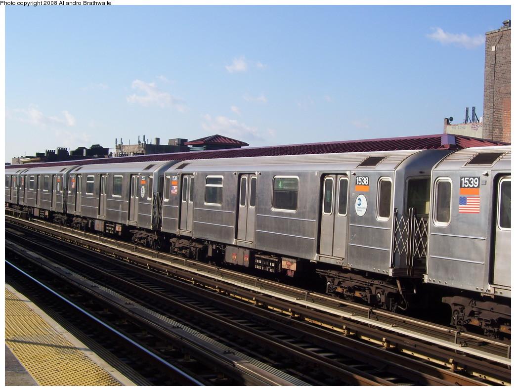(240k, 1044x791)<br><b>Country:</b> United States<br><b>City:</b> New York<br><b>System:</b> New York City Transit<br><b>Line:</b> IRT Woodlawn Line<br><b>Location:</b> Fordham Road <br><b>Route:</b> 4<br><b>Car:</b> R-62 (Kawasaki, 1983-1985)  1538 <br><b>Photo by:</b> Aliandro Brathwaite<br><b>Date:</b> 12/31/2007<br><b>Viewed (this week/total):</b> 0 / 2598