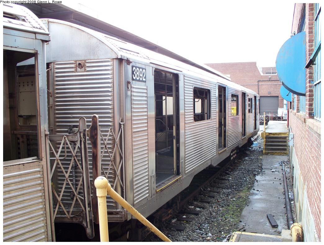 (270k, 1044x788)<br><b>Country:</b> United States<br><b>City:</b> New York<br><b>System:</b> New York City Transit<br><b>Location:</b> 207th Street Yard<br><b>Car:</b> R-32 (GE Rebuild) 3892 <br><b>Photo by:</b> Glenn L. Rowe<br><b>Date:</b> 1/30/2008<br><b>Viewed (this week/total):</b> 0 / 1566