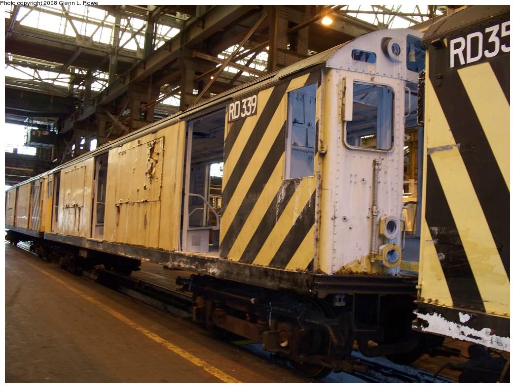 (232k, 1044x788)<br><b>Country:</b> United States<br><b>City:</b> New York<br><b>System:</b> New York City Transit<br><b>Location:</b> 207th Street Shop<br><b>Car:</b> R-71 Rider Car (R-17/R-21/R-22 Rebuilds)  RD339 (ex-6762)<br><b>Photo by:</b> Glenn L. Rowe<br><b>Date:</b> 1/30/2008<br><b>Viewed (this week/total):</b> 0 / 1671