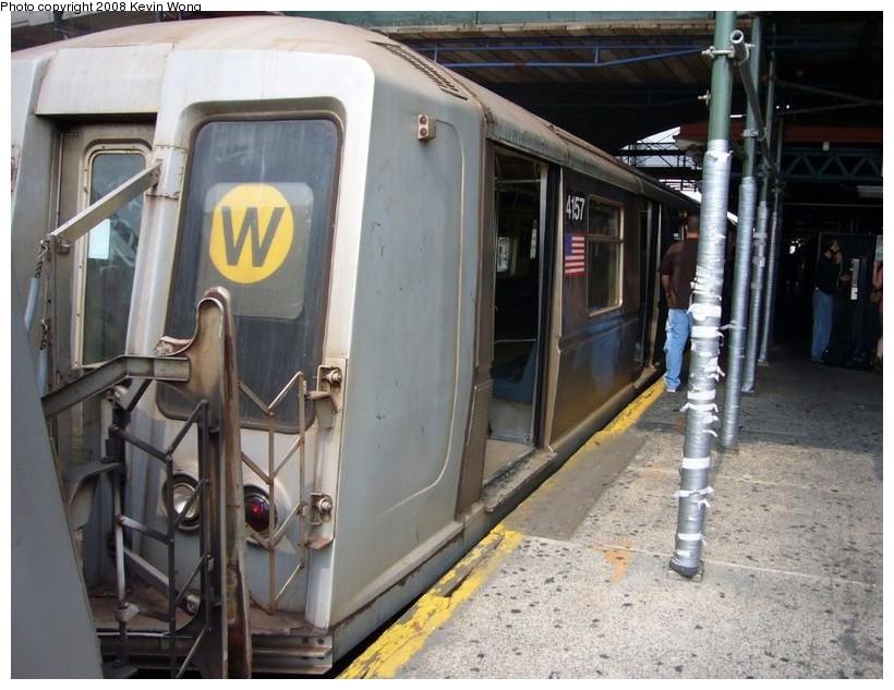 (136k, 820x633)<br><b>Country:</b> United States<br><b>City:</b> New York<br><b>System:</b> New York City Transit<br><b>Line:</b> BMT Astoria Line<br><b>Location:</b> Ditmars Boulevard <br><b>Route:</b> W<br><b>Car:</b> R-40 (St. Louis, 1968)  4157 <br><b>Photo by:</b> Kevin Wong<br><b>Date:</b> 6/11/2007<br><b>Viewed (this week/total):</b> 3 / 2411