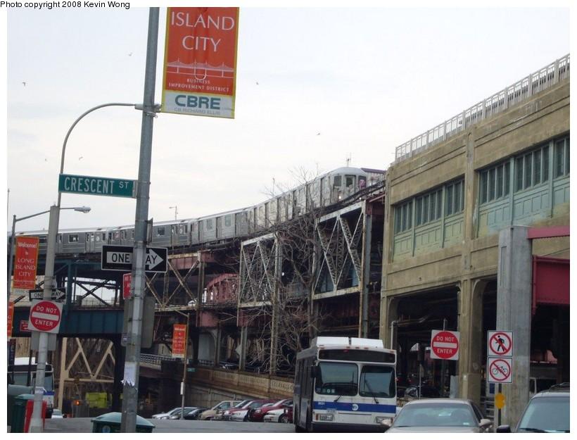 (126k, 820x625)<br><b>Country:</b> United States<br><b>City:</b> New York<br><b>System:</b> New York City Transit<br><b>Line:</b> IRT Flushing Line<br><b>Location:</b> Queensborough Plaza <br><b>Route:</b> 7<br><b>Car:</b> R-62A (Bombardier, 1984-1987)   <br><b>Photo by:</b> Kevin Wong<br><b>Date:</b> 1/5/2008<br><b>Viewed (this week/total):</b> 0 / 2858