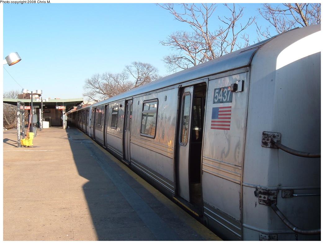 (219k, 1044x788)<br><b>Country:</b> United States<br><b>City:</b> New York<br><b>System:</b> New York City Transit<br><b>Line:</b> IND Rockaway<br><b>Location:</b> Mott Avenue/Far Rockaway <br><b>Route:</b> A<br><b>Car:</b> R-44 (St. Louis, 1971-73) 5437 <br><b>Photo by:</b> Chris M.<br><b>Date:</b> 1/23/2008<br><b>Viewed (this week/total):</b> 2 / 1719