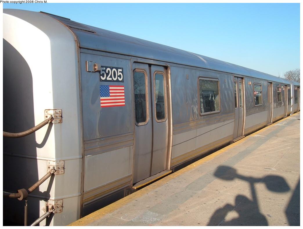 (191k, 1044x788)<br><b>Country:</b> United States<br><b>City:</b> New York<br><b>System:</b> New York City Transit<br><b>Line:</b> IND Rockaway<br><b>Location:</b> Mott Avenue/Far Rockaway <br><b>Route:</b> A<br><b>Car:</b> R-44 (St. Louis, 1971-73) 5205 <br><b>Photo by:</b> Chris M.<br><b>Date:</b> 1/23/2008<br><b>Viewed (this week/total):</b> 0 / 1869