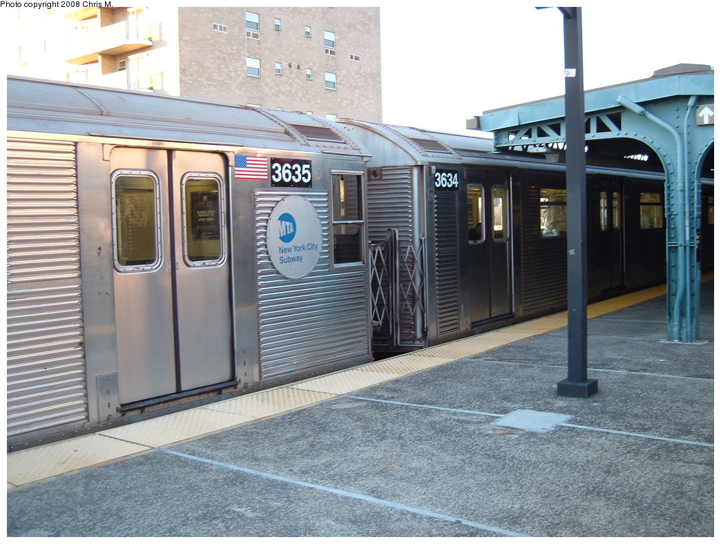 (259k, 1044x788)<br><b>Country:</b> United States<br><b>City:</b> New York<br><b>System:</b> New York City Transit<br><b>Line:</b> BMT Culver Line<br><b>Location:</b> Neptune Avenue <br><b>Route:</b> F<br><b>Car:</b> R-32 (Budd, 1964)  3635/3634 <br><b>Photo by:</b> Chris M.<br><b>Date:</b> 1/23/2008<br><b>Viewed (this week/total):</b> 0 / 2359