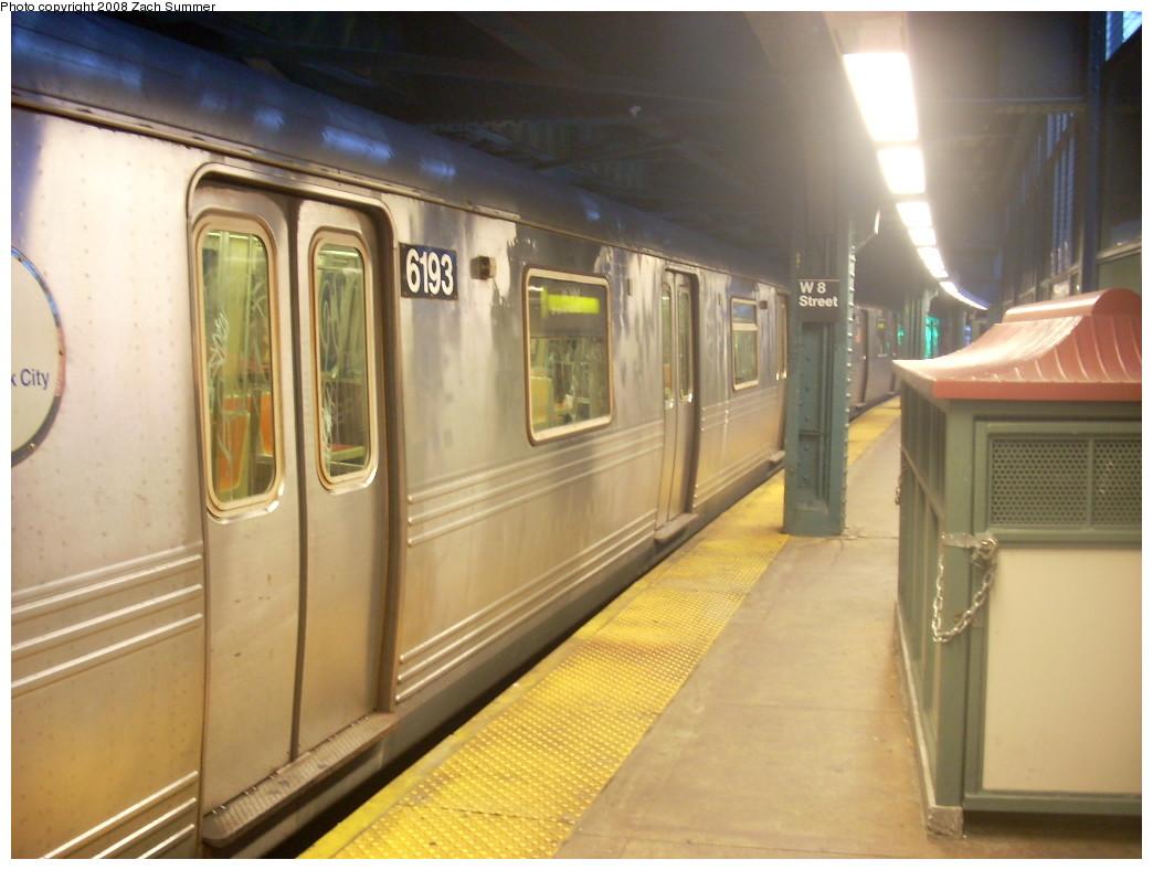 (213k, 1044x788)<br><b>Country:</b> United States<br><b>City:</b> New York<br><b>System:</b> New York City Transit<br><b>Line:</b> BMT Culver Line<br><b>Location:</b> West 8th Street <br><b>Route:</b> F<br><b>Car:</b> R-46 (Pullman-Standard, 1974-75) 6193 <br><b>Photo by:</b> Zach Summer<br><b>Date:</b> 12/15/2007<br><b>Viewed (this week/total):</b> 2 / 2358