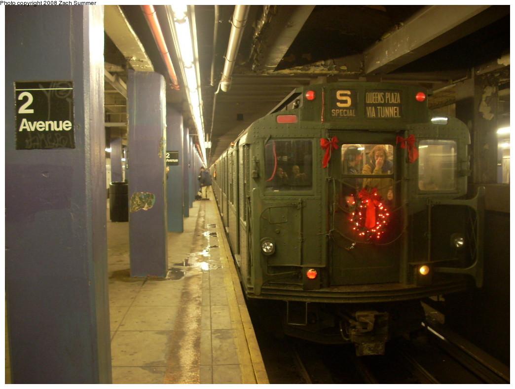 (213k, 1044x788)<br><b>Country:</b> United States<br><b>City:</b> New York<br><b>System:</b> New York City Transit<br><b>Line:</b> IND 6th Avenue Line<br><b>Location:</b> 2nd Avenue <br><b>Route:</b> Museum Train Service (V)<br><b>Car:</b> R-9 (Pressed Steel, 1940)  1802 <br><b>Photo by:</b> Zach Summer<br><b>Date:</b> 12/16/2007<br><b>Notes:</b> Nostalgia train service.<br><b>Viewed (this week/total):</b> 1 / 2086