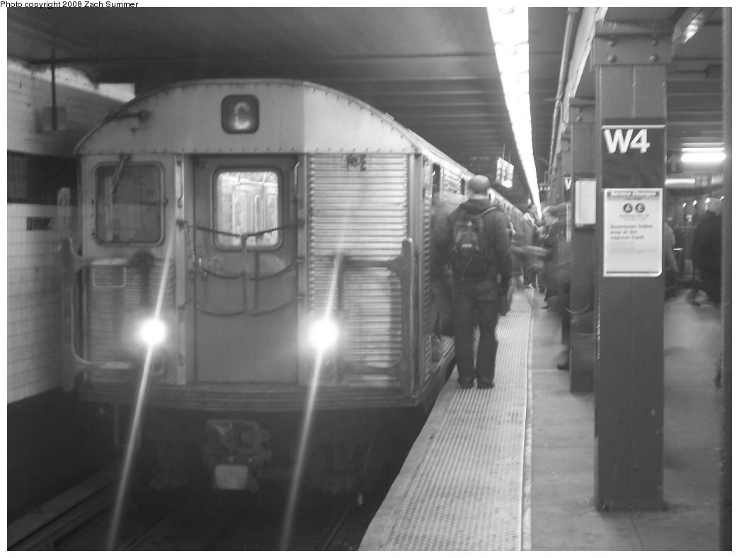 (160k, 1044x788)<br><b>Country:</b> United States<br><b>City:</b> New York<br><b>System:</b> New York City Transit<br><b>Line:</b> IND 8th Avenue Line<br><b>Location:</b> West 4th Street/Washington Square <br><b>Route:</b> C<br><b>Car:</b> R-32 (Budd, 1964)  3427 <br><b>Photo by:</b> Zach Summer<br><b>Date:</b> 12/16/2007<br><b>Viewed (this week/total):</b> 0 / 1858