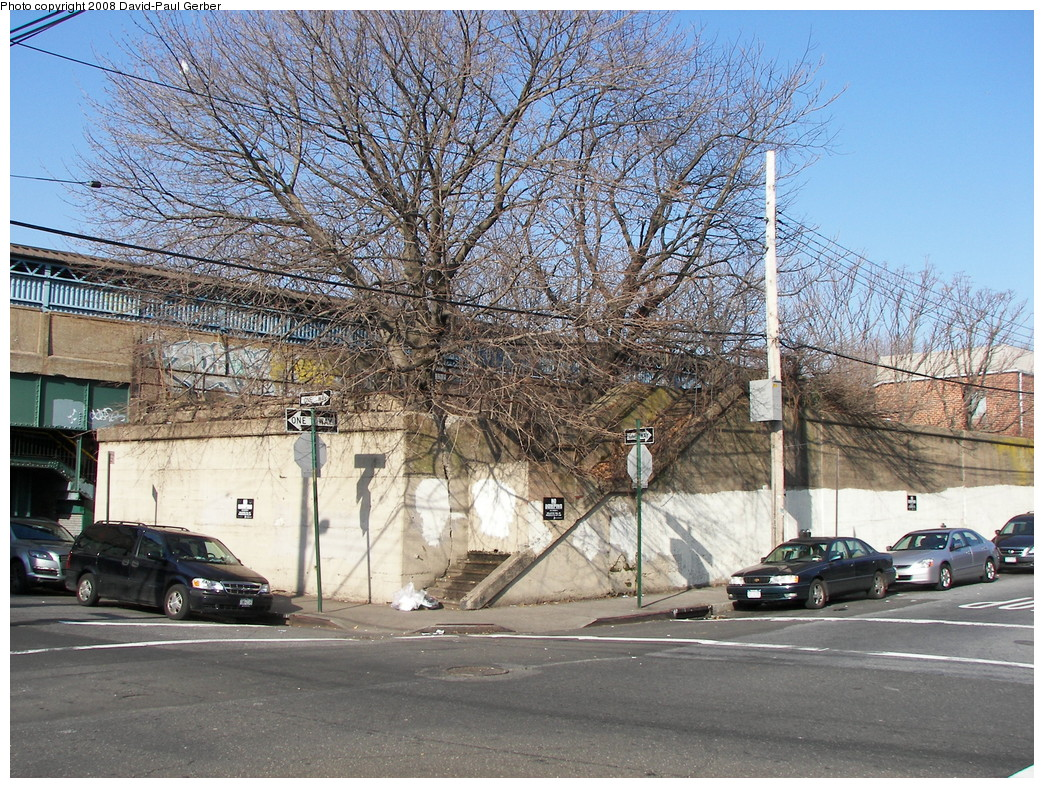 (404k, 1044x788)<br><b>Country:</b> United States<br><b>City:</b> New York<br><b>System:</b> New York City Transit<br><b>Line:</b> BMT Brighton Line<br><b>Location:</b> Neck Road <br><b>Photo by:</b> David-Paul Gerber<br><b>Date:</b> 2/3/2008<br><b>Notes:</b> Remains of LIRR Manhattan Beach Neck Road station.<br><b>Viewed (this week/total):</b> 0 / 2374