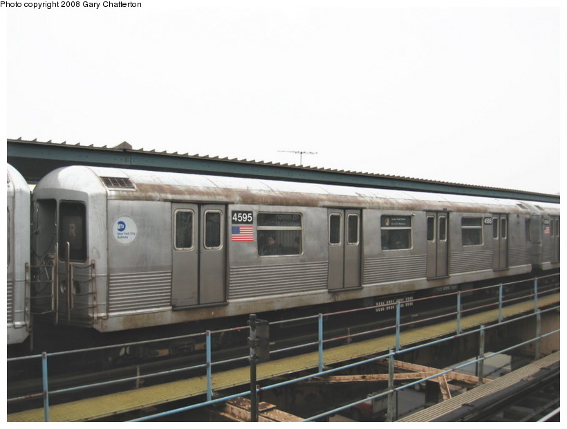 (96k, 820x620)<br><b>Country:</b> United States<br><b>City:</b> New York<br><b>System:</b> New York City Transit<br><b>Line:</b> BMT Nassau Street/Jamaica Line<br><b>Location:</b> Woodhaven Boulevard <br><b>Route:</b> J<br><b>Car:</b> R-42 (St. Louis, 1969-1970)  4595 <br><b>Photo by:</b> Gary Chatterton<br><b>Date:</b> 1/29/2008<br><b>Viewed (this week/total):</b> 2 / 1811