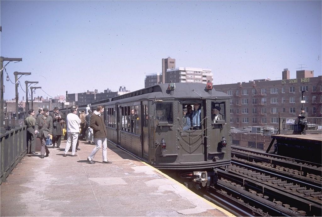 (196k, 1024x690)<br><b>Country:</b> United States<br><b>City:</b> New York<br><b>System:</b> New York City Transit<br><b>Line:</b> IRT Woodlawn Line<br><b>Location:</b> Bedford Park Boulevard <br><b>Route:</b> Fan Trip<br><b>Car:</b> Low-V (Museum Train) 5290 <br><b>Photo by:</b> Doug Grotjahn<br><b>Collection of:</b> Joe Testagrose<br><b>Date:</b> 4/6/1968<br><b>Viewed (this week/total):</b> 1 / 3583