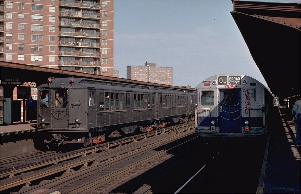 (192k, 1024x662)<br><b>Country:</b> United States<br><b>City:</b> New York<br><b>System:</b> New York City Transit<br><b>Line:</b> BMT Nassau Street-Jamaica Line<br><b>Location:</b> Lorimer Street<br><b>Route:</b> Fan Trip<br><b>Car:</b> Low-V (Museum Train) 5292 <br><b>Photo by:</b> Joe Testagrose<br><b>Date:</b> 5/26/1974<br><b>Viewed (this week/total):</b> 3 / 3566