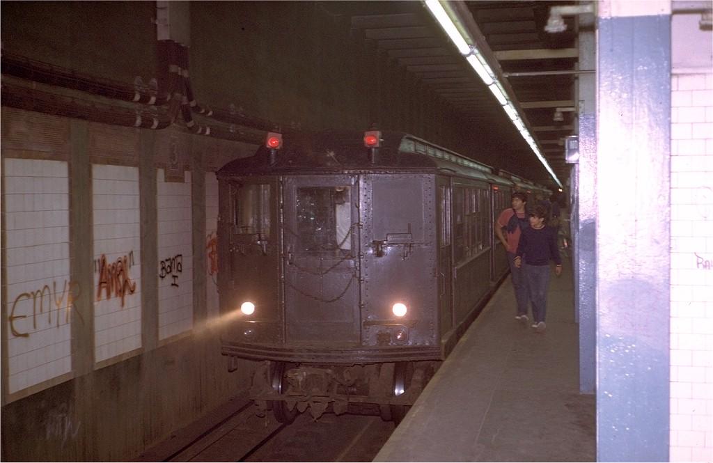 (155k, 1024x665)<br><b>Country:</b> United States<br><b>City:</b> New York<br><b>System:</b> New York City Transit<br><b>Line:</b> IRT Pelham Line<br><b>Location:</b> 3rd Avenue/138th Street <br><b>Route:</b> Fan Trip<br><b>Car:</b> Low-V (Museum Train) 5292 <br><b>Photo by:</b> Steve Zabel<br><b>Collection of:</b> Joe Testagrose<br><b>Date:</b> 8/6/1972<br><b>Viewed (this week/total):</b> 4 / 7626