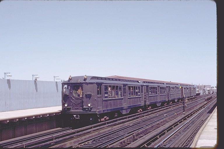 (102k, 768x512)<br><b>Country:</b> United States<br><b>City:</b> New York<br><b>System:</b> New York City Transit<br><b>Line:</b> IRT White Plains Road Line<br><b>Location:</b> 238th Street (Nereid Avenue) <br><b>Route:</b> Fan Trip<br><b>Car:</b> Low-V (Museum Train) 5292 <br><b>Photo by:</b> Joe Testagrose<br><b>Date:</b> 8/5/1972<br><b>Viewed (this week/total):</b> 0 / 3031