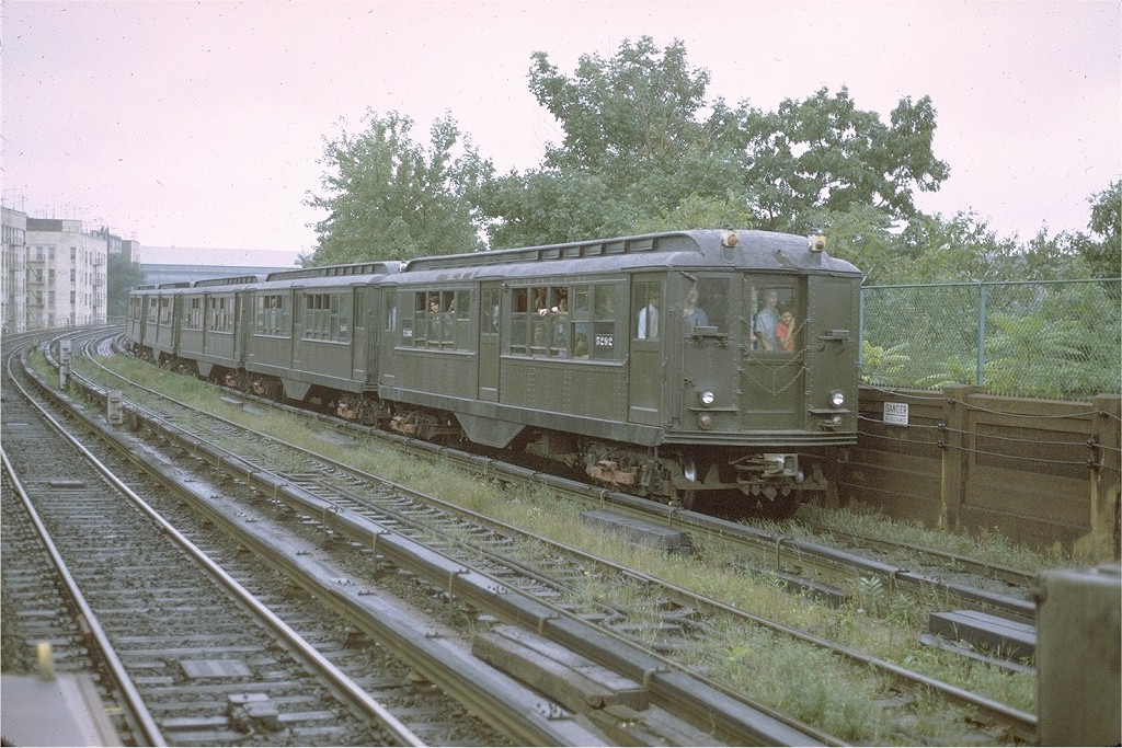 (240k, 1024x683)<br><b>Country:</b> United States<br><b>City:</b> New York<br><b>System:</b> New York City Transit<br><b>Line:</b> IRT Woodlawn Line<br><b>Location:</b> Bedford Park Boulevard <br><b>Route:</b> Fan Trip<br><b>Car:</b> Low-V (Museum Train) 5292 <br><b>Photo by:</b> Joe Testagrose<br><b>Date:</b> 9/11/1971<br><b>Viewed (this week/total):</b> 3 / 2988
