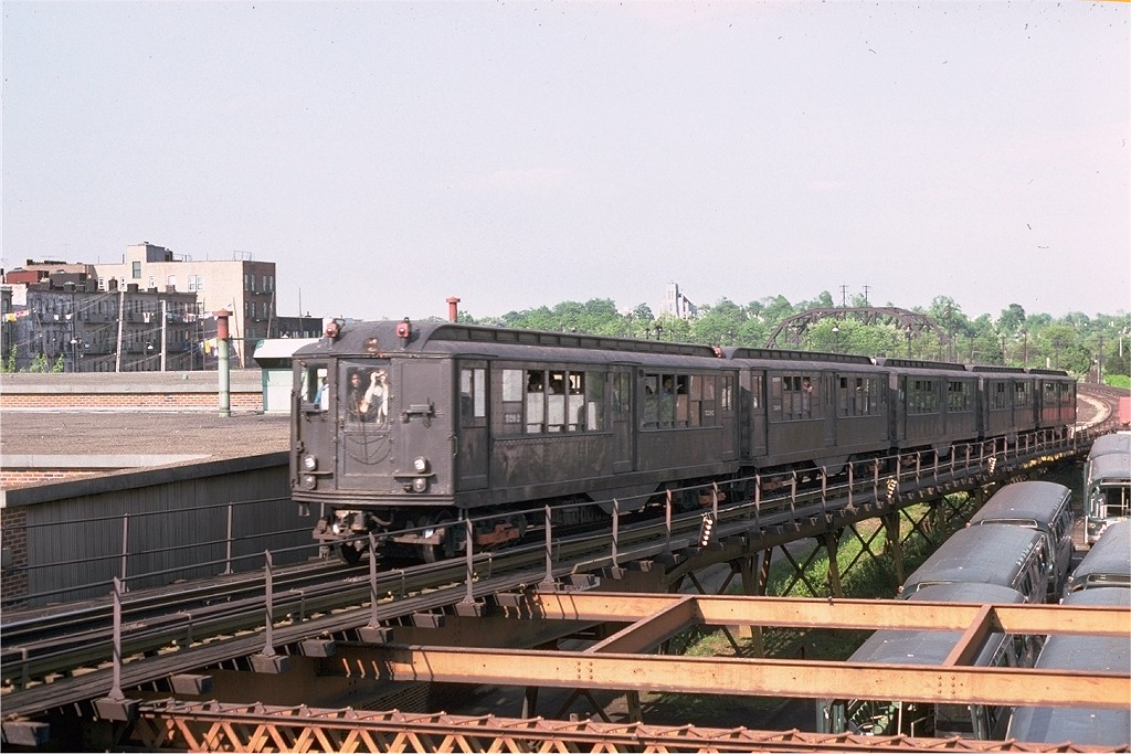 (199k, 1024x683)<br><b>Country:</b> United States<br><b>City:</b> New York<br><b>System:</b> New York City Transit<br><b>Line:</b> BMT Myrtle Avenue Line<br><b>Location:</b> Fresh Pond Road <br><b>Route:</b> Fan Trip<br><b>Car:</b> Low-V (Museum Train) 5292 <br><b>Photo by:</b> Joe Testagrose<br><b>Date:</b> 5/26/1974<br><b>Viewed (this week/total):</b> 2 / 3663