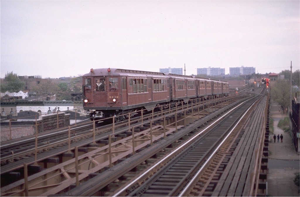 (155k, 1024x671)<br><b>Country:</b> United States<br><b>City:</b> New York<br><b>System:</b> New York City Transit<br><b>Line:</b> IRT Brooklyn Line<br><b>Location:</b> Van Siclen Avenue <br><b>Route:</b> Fan Trip<br><b>Car:</b> Low-V (Museum Train) 5292 <br><b>Photo by:</b> Aron Eisenpress<br><b>Collection of:</b> Joe Testagrose<br><b>Date:</b> 11/3/1979<br><b>Viewed (this week/total):</b> 3 / 4734