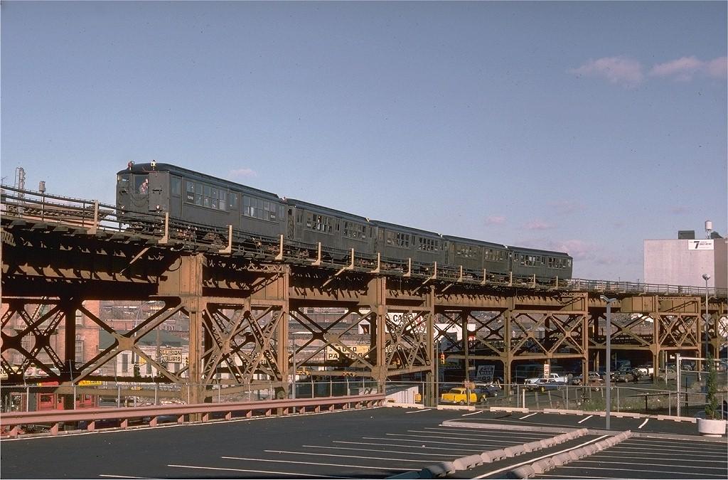 (226k, 1024x675)<br><b>Country:</b> United States<br><b>City:</b> New York<br><b>System:</b> New York City Transit<br><b>Line:</b> IRT Woodlawn Line<br><b>Location:</b> 167th Street <br><b>Route:</b> Fan Trip<br><b>Car:</b> Low-V (Museum Train) 5292 <br><b>Photo by:</b> Doug Grotjahn<br><b>Collection of:</b> Joe Testagrose<br><b>Date:</b> 12/10/1977<br><b>Viewed (this week/total):</b> 2 / 5248