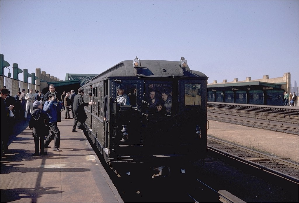 (165k, 1024x696)<br><b>Country:</b> United States<br><b>City:</b> New York<br><b>System:</b> New York City Transit<br><b>Line:</b> IND Crosstown Line<br><b>Location:</b> Smith/9th Street <br><b>Route:</b> Fan Trip<br><b>Car:</b> Low-V (Museum Train) 5443 <br><b>Photo by:</b> Doug Grotjahn<br><b>Collection of:</b> Joe Testagrose<br><b>Date:</b> 4/6/1968<br><b>Viewed (this week/total):</b> 1 / 3236