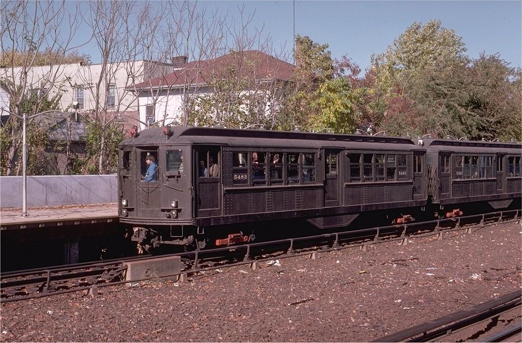 (297k, 1024x672)<br><b>Country:</b> United States<br><b>City:</b> New York<br><b>System:</b> New York City Transit<br><b>Line:</b> IRT Dyre Ave. Line<br><b>Location:</b> Gun Hill Road <br><b>Route:</b> Fan Trip<br><b>Car:</b> Low-V (Museum Train) 5483 <br><b>Photo by:</b> Joe Testagrose<br><b>Date:</b> 10/27/1974<br><b>Viewed (this week/total):</b> 4 / 5042
