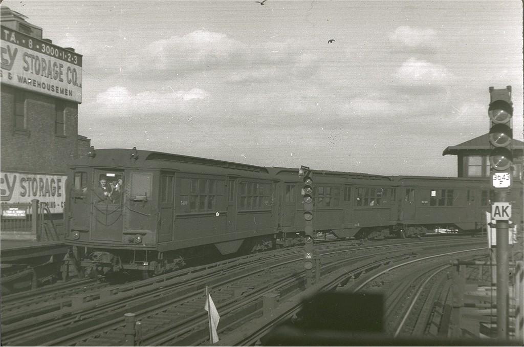 (193k, 1024x678)<br><b>Country:</b> United States<br><b>City:</b> New York<br><b>System:</b> New York City Transit<br><b>Line:</b> IRT White Plains Road Line<br><b>Location:</b> West Farms Sq./East Tremont Ave./177th St. <br><b>Car:</b> Low-V 5499 <br><b>Photo by:</b> Harry Pinsker<br><b>Date:</b> 12/30/1959<br><b>Viewed (this week/total):</b> 1 / 3562