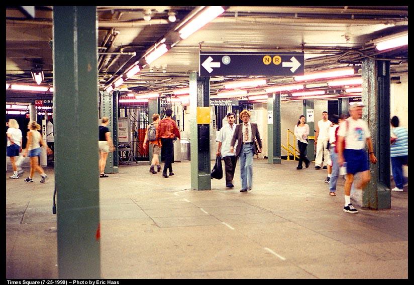 (128k, 824x569)<br><b>Country:</b> United States<br><b>City:</b> New York<br><b>System:</b> New York City Transit<br><b>Line:</b> IRT Times Square-Grand Central Shuttle<br><b>Location:</b> Times Square <br><b>Photo by:</b> Eric Haas<br><b>Date:</b> 7/25/1999<br><b>Notes:</b> Mezzanine area<br><b>Viewed (this week/total):</b> 3 / 8717