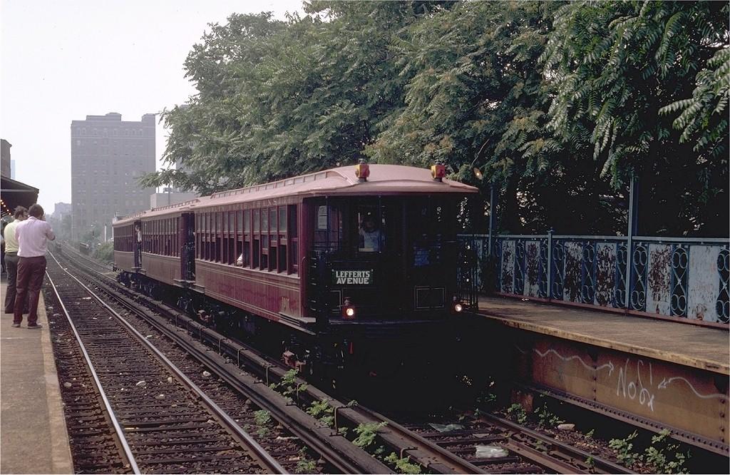 (260k, 1024x666)<br><b>Country:</b> United States<br><b>City:</b> New York<br><b>System:</b> New York City Transit<br><b>Line:</b> BMT Franklin<br><b>Location:</b> Dean Street <br><b>Route:</b> Fan Trip<br><b>Car:</b> BMT Elevated Gate Car 1407-1273-1404 <br><b>Photo by:</b> Steve Zabel<br><b>Collection of:</b> Joe Testagrose<br><b>Date:</b> 8/30/1980<br><b>Viewed (this week/total):</b> 1 / 5874