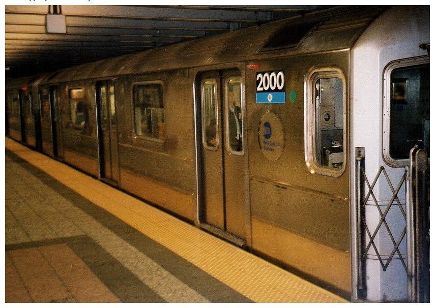(107k, 855x606)<br><b>Country:</b> United States<br><b>City:</b> New York<br><b>System:</b> New York City Transit<br><b>Line:</b> IRT Times Square-Grand Central Shuttle<br><b>Location:</b> Grand Central <br><b>Car:</b> R-62A (Bombardier, 1984-1987)  2000 <br><b>Photo by:</b> Gary Chatterton<br><b>Date:</b> 10/2002<br><b>Viewed (this week/total):</b> 1 / 4982