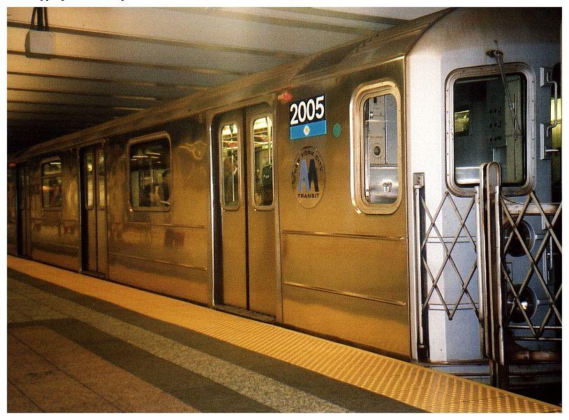 (110k, 815x601)<br><b>Country:</b> United States<br><b>City:</b> New York<br><b>System:</b> New York City Transit<br><b>Line:</b> IRT Times Square-Grand Central Shuttle<br><b>Location:</b> Grand Central <br><b>Car:</b> R-62A (Bombardier, 1984-1987)  2005 <br><b>Photo by:</b> Gary Chatterton<br><b>Date:</b> 10/2002<br><b>Viewed (this week/total):</b> 1 / 4920