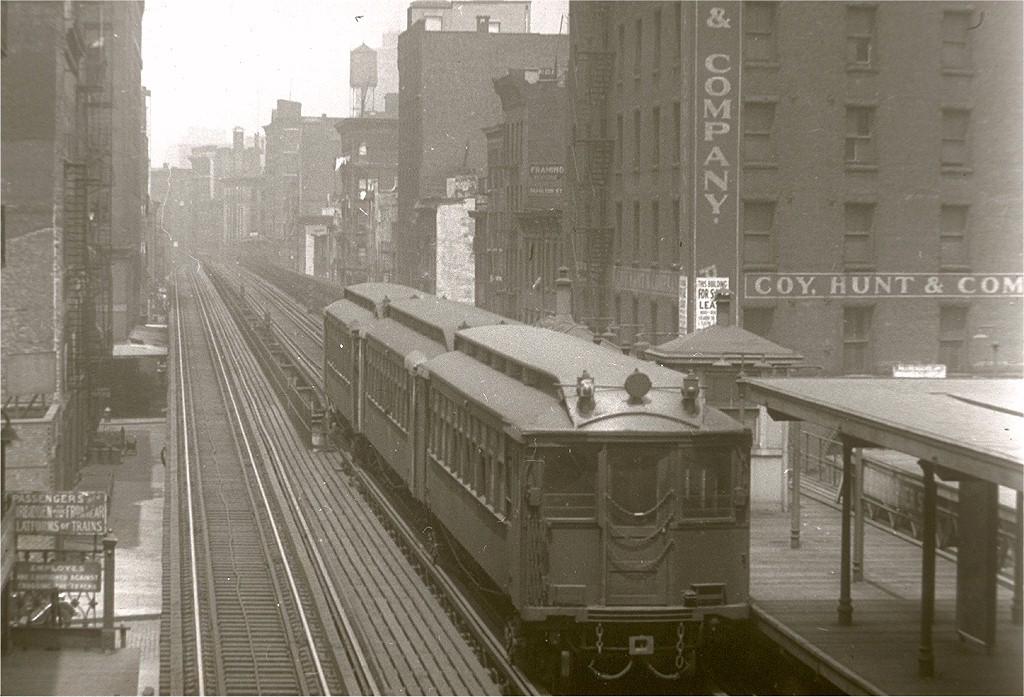(202k, 1024x697)<br><b>Country:</b> United States<br><b>City:</b> New York<br><b>System:</b> New York City Transit<br><b>Line:</b> 9th Avenue El<br><b>Location:</b> Christopher Street <br><b>Photo by:</b> Frank Goldsmith<br><b>Collection of:</b> Joe Testagrose<br><b>Date:</b> 6/1/1940<br><b>Viewed (this week/total):</b> 2 / 7185