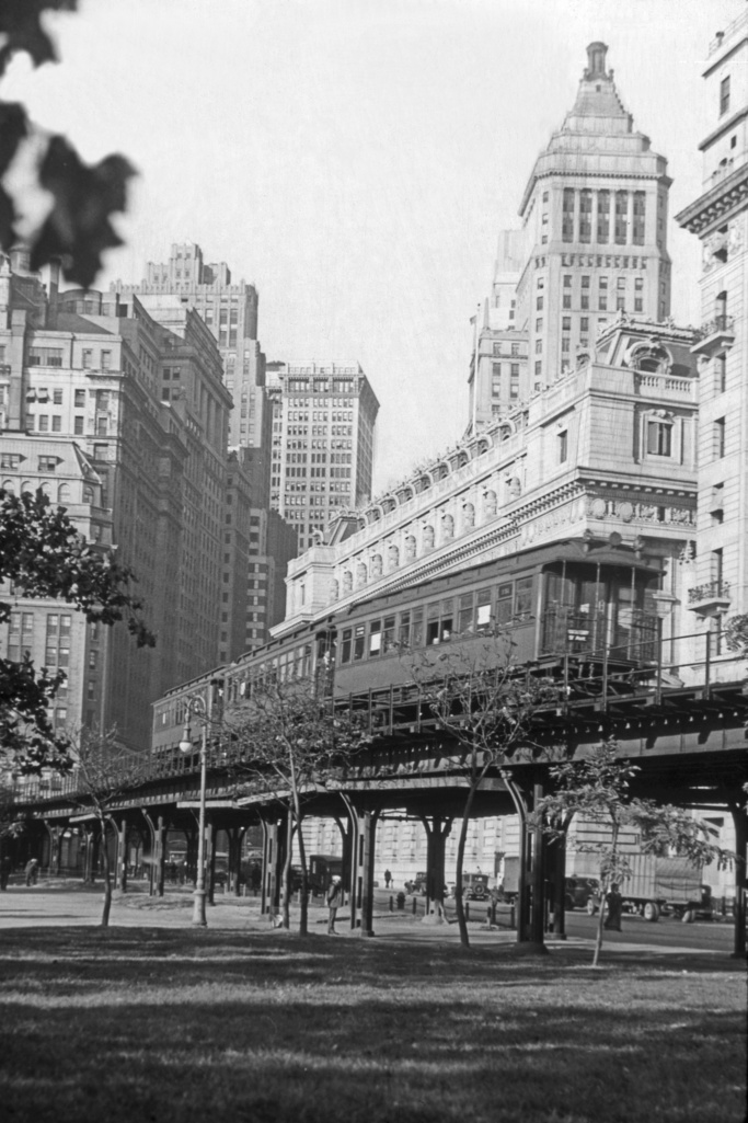 (255k, 683x1025)<br><b>Country:</b> United States<br><b>City:</b> New York<br><b>System:</b> New York City Transit<br><b>Line:</b> 9th Avenue El<br><b>Location:</b> Battery Place <br><b>Photo by:</b> Frank Goldsmith<br><b>Collection of:</b> David Pirmann<br><b>Viewed (this week/total):</b> 4 / 4057