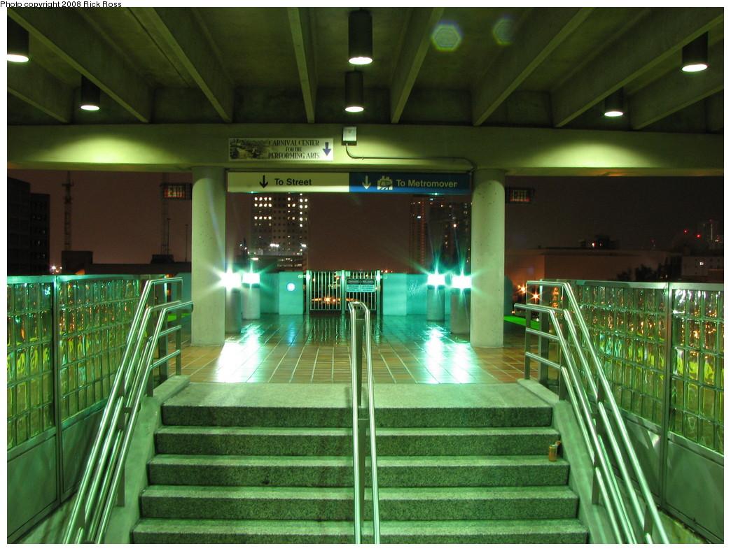 (249k, 1044x788)<br><b>Country:</b> United States<br><b>City:</b> Miami, FL<br><b>System:</b> Miami Metrorail<br><b>Location:</b> Government Center <br><b>Photo by:</b> Rick Ross<br><b>Date:</b> 1/21/2008<br><b>Viewed (this week/total):</b> 1 / 1614