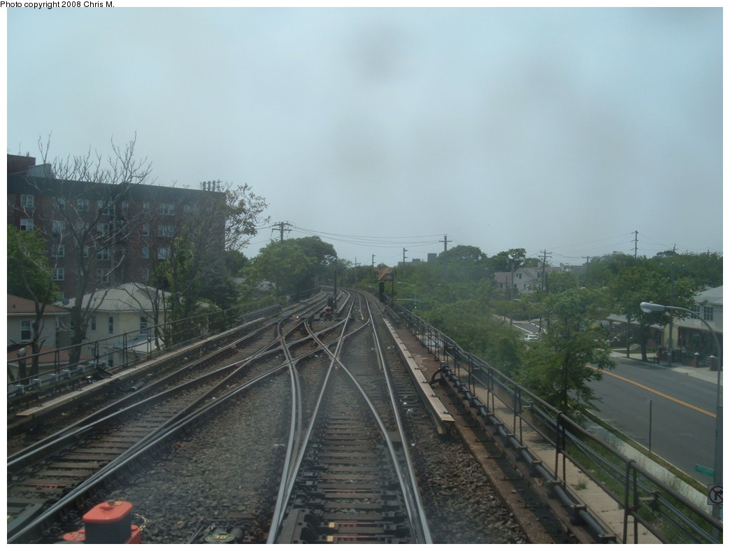 (179k, 1044x788)<br><b>Country:</b> United States<br><b>City:</b> New York<br><b>System:</b> New York City Transit<br><b>Line:</b> IND Rockaway<br><b>Location:</b> Mott Avenue/Far Rockaway <br><b>Photo by:</b> Chris M.<br><b>Date:</b> 6/19/2007<br><b>Notes:</b> Departing from Mott Avenue<br><b>Viewed (this week/total):</b> 0 / 1451